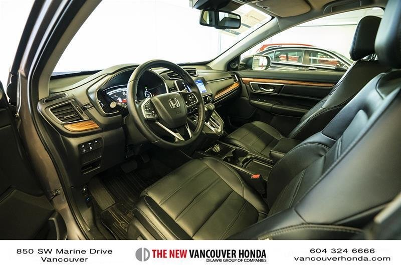 2017 Honda CR-V Touring AWD in Vancouver, British Columbia - 33 - w1024h768px
