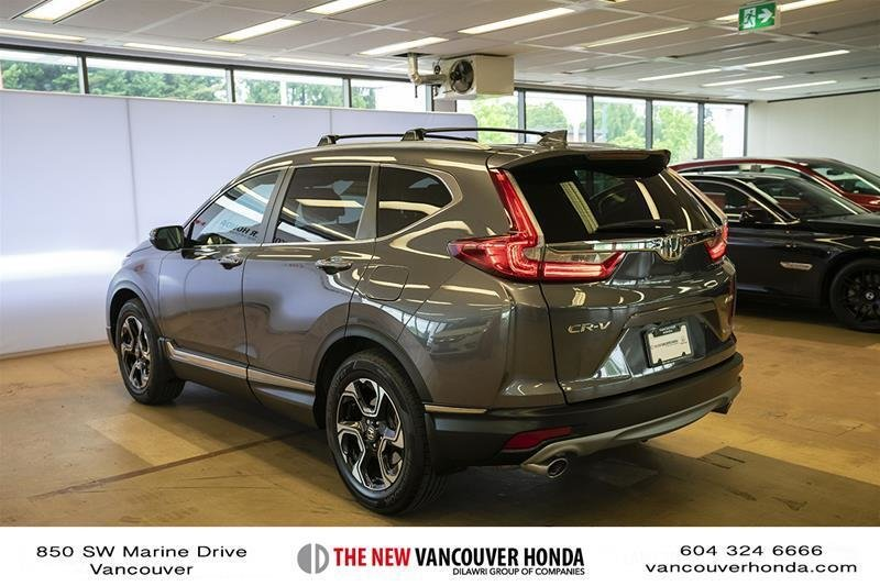 2017 Honda CR-V Touring AWD in Vancouver, British Columbia - 29 - w1024h768px