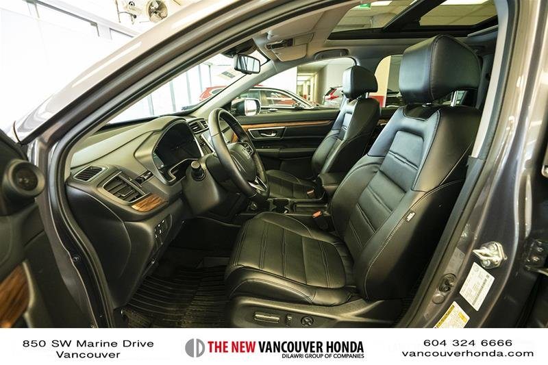 2017 Honda CR-V Touring AWD in Vancouver, British Columbia - 10 - w1024h768px
