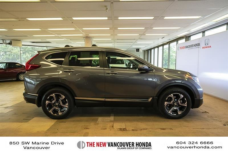 2017 Honda CR-V Touring AWD in Vancouver, British Columbia - 26 - w1024h768px