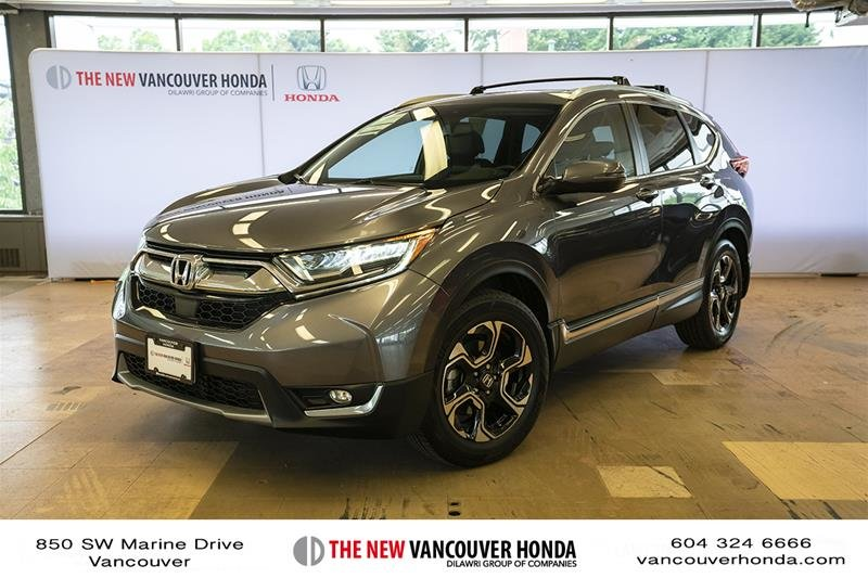 2017 Honda CR-V Touring AWD in Vancouver, British Columbia - 1 - w1024h768px
