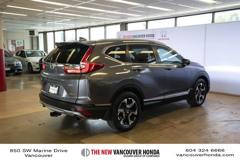 2018 Honda CR-V Touring AWD in Vancouver, British Columbia - 5 - w1024h768px