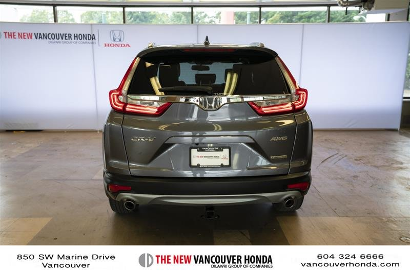 2018 Honda CR-V Touring AWD in Vancouver, British Columbia - 6 - w1024h768px