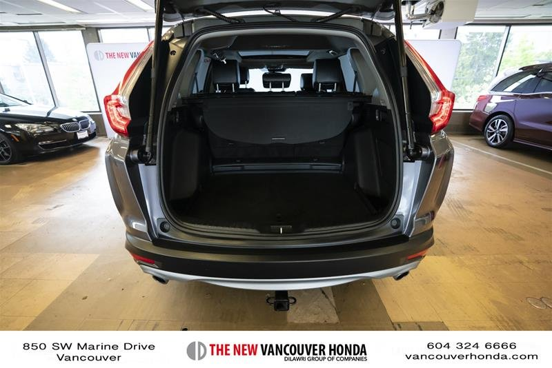 2018 Honda CR-V Touring AWD in Vancouver, British Columbia - 19 - w1024h768px