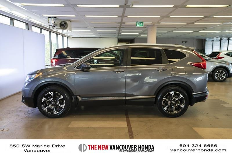 2018 Honda CR-V Touring AWD in Vancouver, British Columbia - 8 - w1024h768px