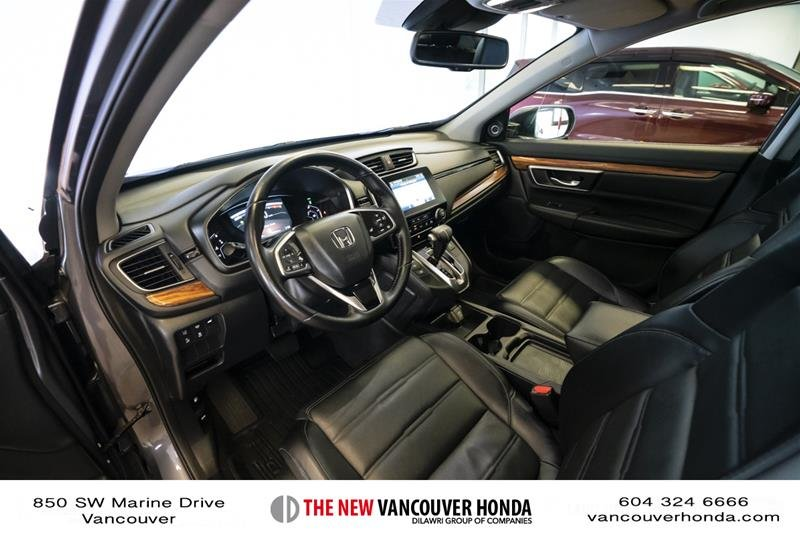 2018 Honda CR-V Touring AWD in Vancouver, British Columbia - 11 - w1024h768px