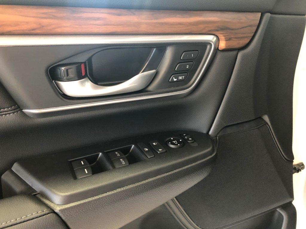 2019 Honda CR-V Touring AWD CVT in Regina, Saskatchewan - 23 - w1024h768px