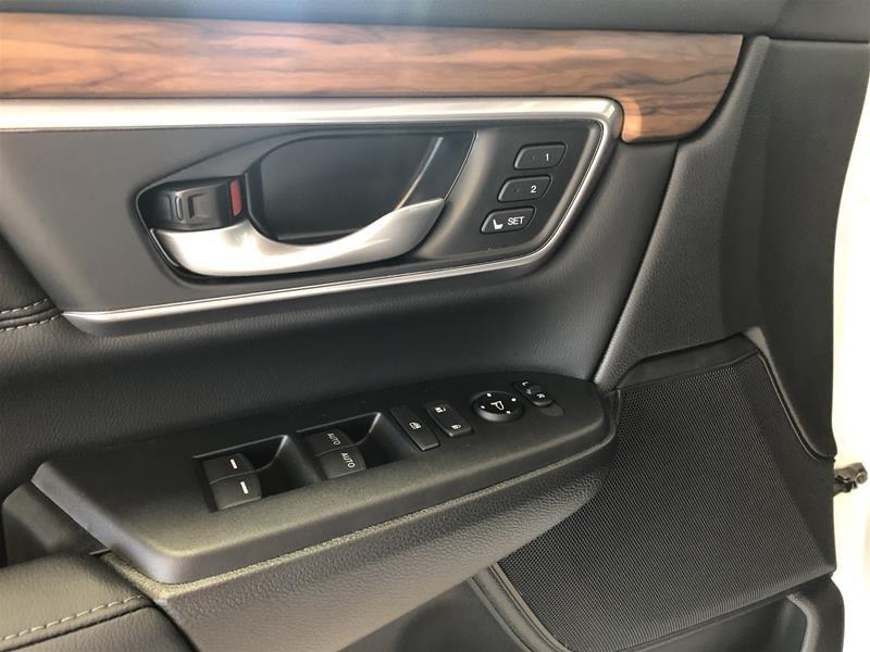 2019 Honda CR-V Touring AWD CVT in Regina, Saskatchewan - 6 - w1024h768px