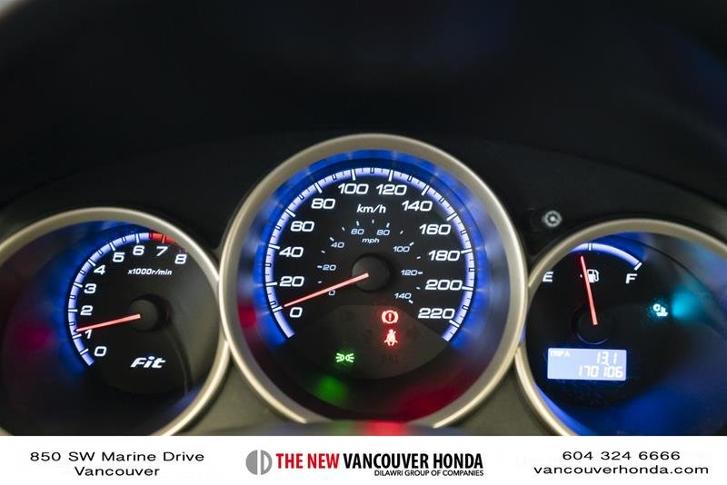2008 Honda Fit Hatchback DX 5sp in Vancouver, British Columbia - 20 - w1024h768px