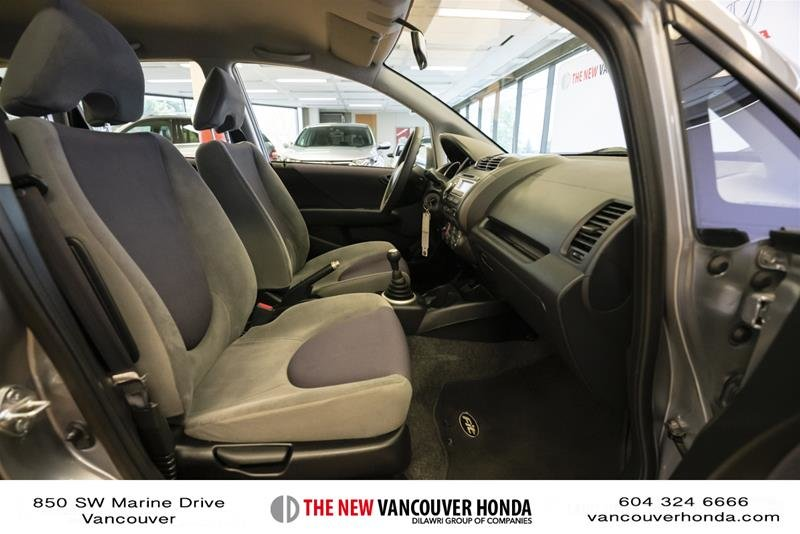 2008 Honda Fit Hatchback DX 5sp in Vancouver, British Columbia - 16 - w1024h768px