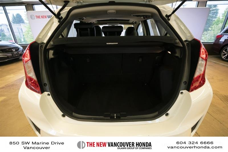 2015 Honda Fit EX-L Navi CVT in Vancouver, British Columbia - 19 - w1024h768px