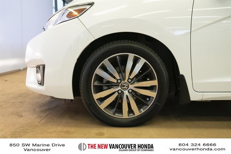 2015 Honda Fit EX-L Navi CVT in Vancouver, British Columbia - 9 - w1024h768px