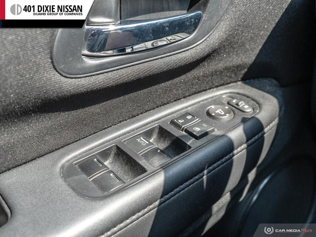 2016 Honda HR-V LX 4WD CVT in Mississauga, Ontario - 17 - w1024h768px