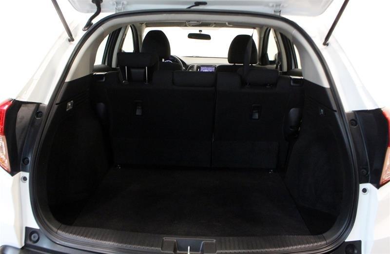 2017 Honda HR-V LX 4WD CVT in Regina, Saskatchewan - 16 - w1024h768px
