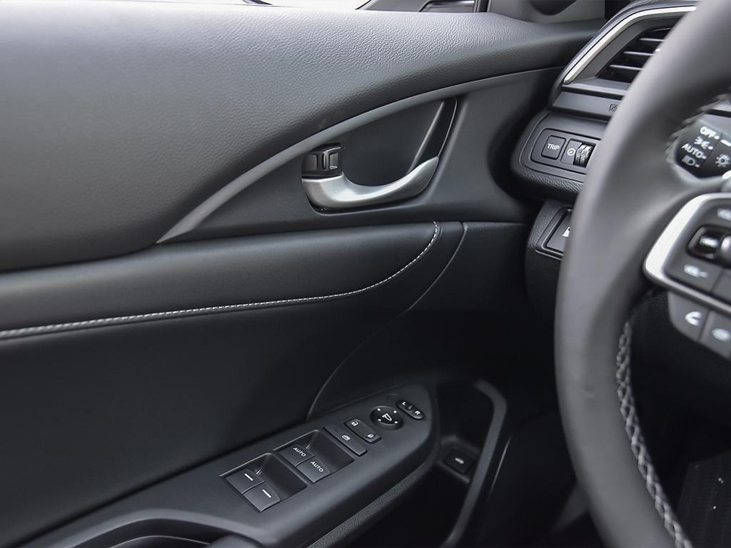 2019 Honda Insight Hybrid Touring in Markham, Ontario - 16 - w1024h768px