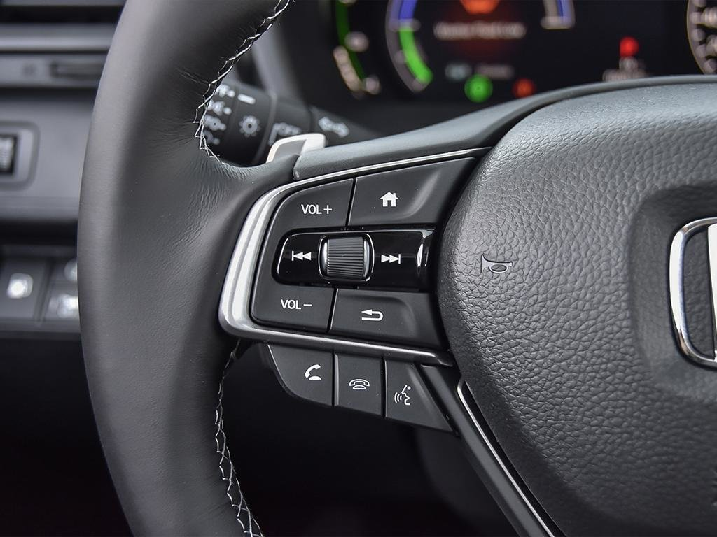 2019 Honda Insight Hybrid Touring in Markham, Ontario - 15 - w1024h768px