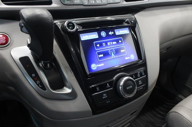 2015 Honda Odyssey Touring in Regina, Saskatchewan - 4 - w1024h768px