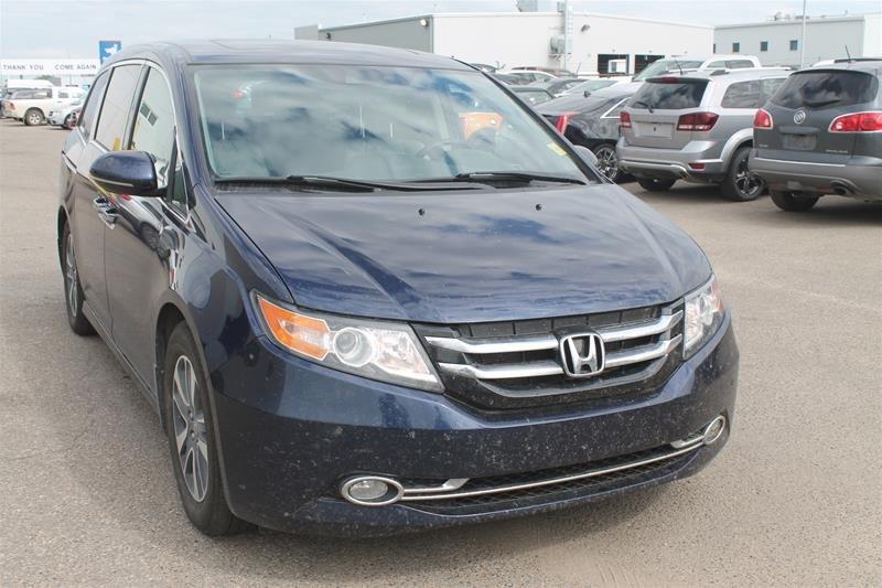 2015 Honda Odyssey Touring in Regina, Saskatchewan - 1 - w1024h768px