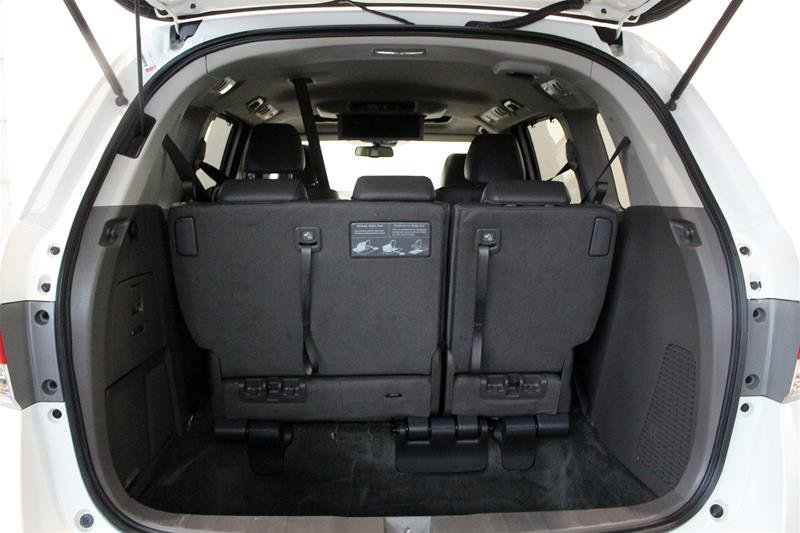 2016 Honda Odyssey Touring in Regina, Saskatchewan - 17 - w1024h768px