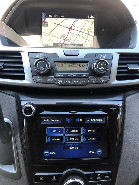 2016 Honda Odyssey Touring in Mississauga, Ontario - 33 - w1024h768px