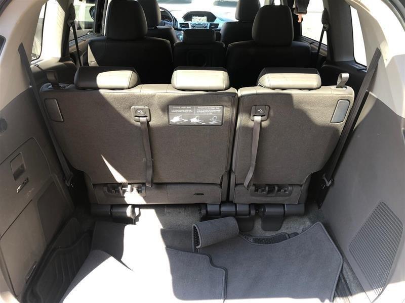 2016 Honda Odyssey Touring in Mississauga, Ontario - 38 - w1024h768px