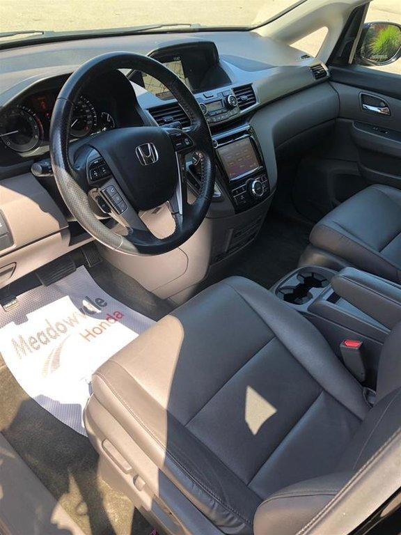 2016 Honda Odyssey Touring in Mississauga, Ontario - 7 - w1024h768px