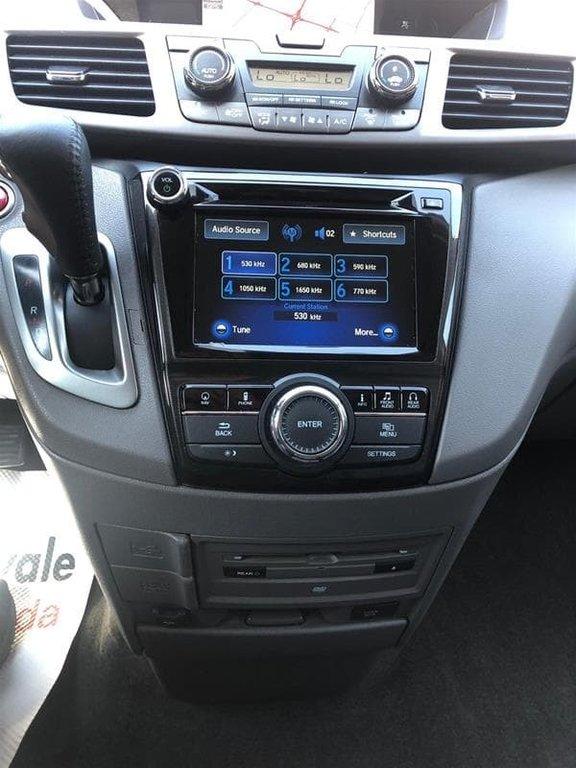 2016 Honda Odyssey Touring in Mississauga, Ontario - 32 - w1024h768px