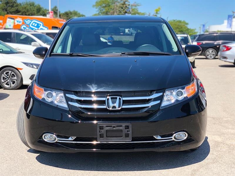 2016 Honda Odyssey Touring in Mississauga, Ontario - 2 - w1024h768px