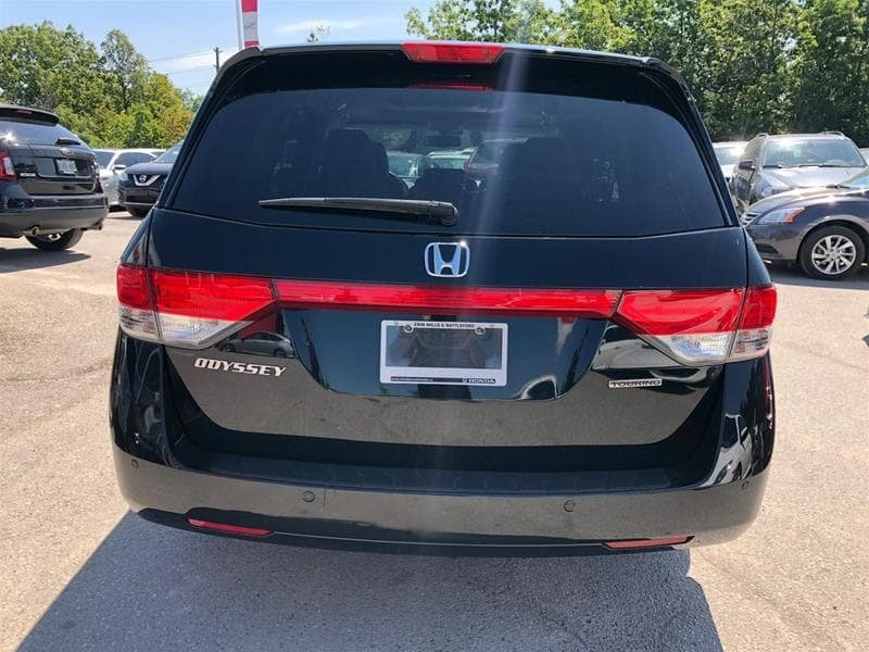 2016 Honda Odyssey Touring in Mississauga, Ontario - 24 - w1024h768px