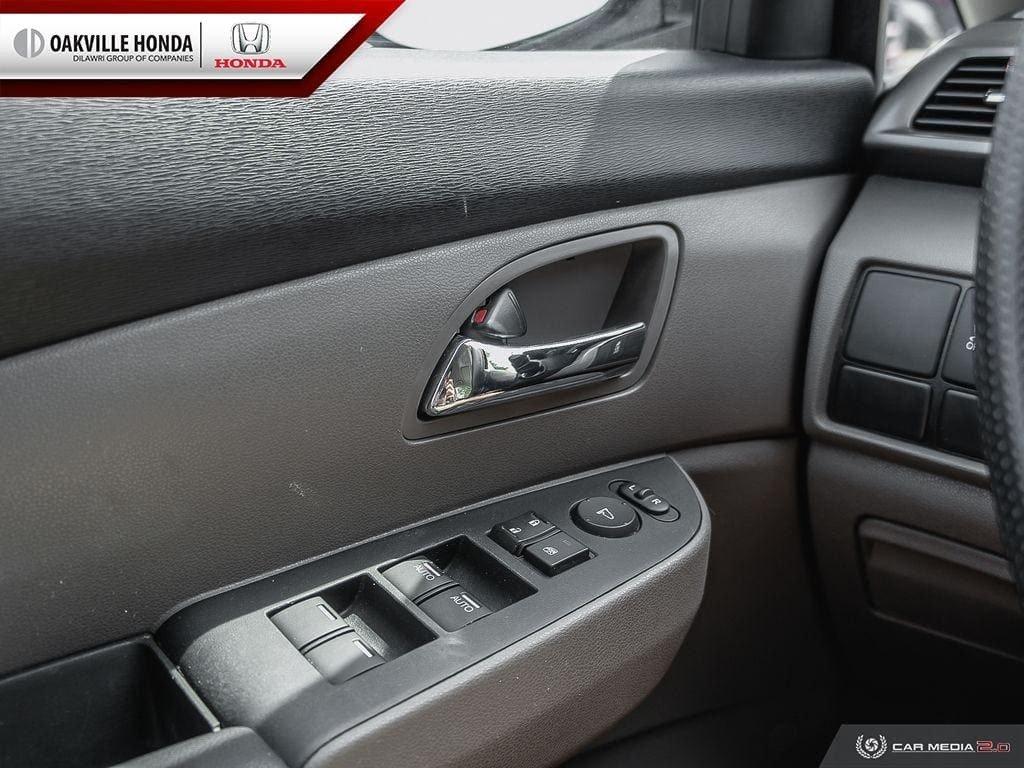 2016 Honda Odyssey LX in Oakville, Ontario - 15 - w1024h768px