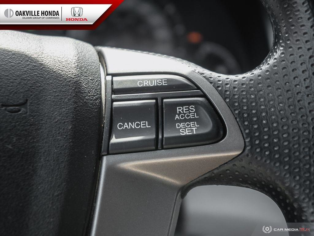 2016 Honda Odyssey LX in Oakville, Ontario - 25 - w1024h768px
