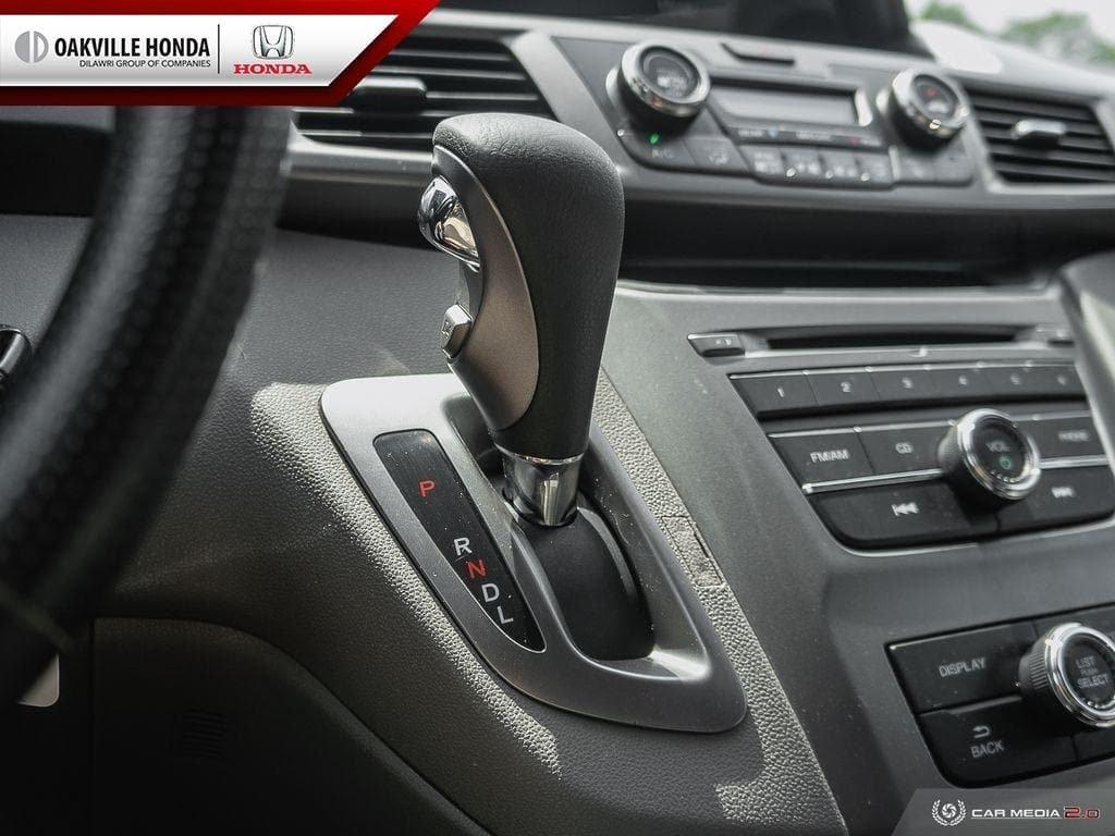 2016 Honda Odyssey LX in Oakville, Ontario - 17 - w1024h768px