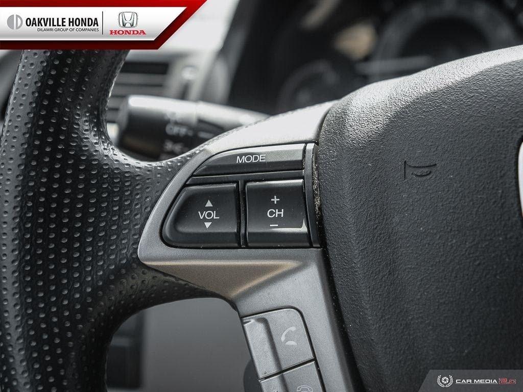 2016 Honda Odyssey LX in Oakville, Ontario - 16 - w1024h768px