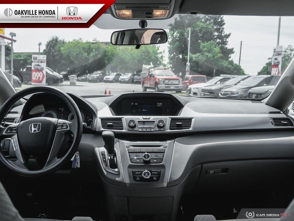 2016 Honda Odyssey LX in Oakville, Ontario - 23 - w1024h768px