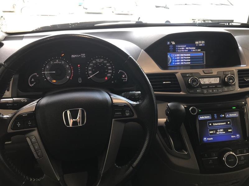 2016 Honda Odyssey EX-L Res in Mississauga, Ontario - 10 - w1024h768px