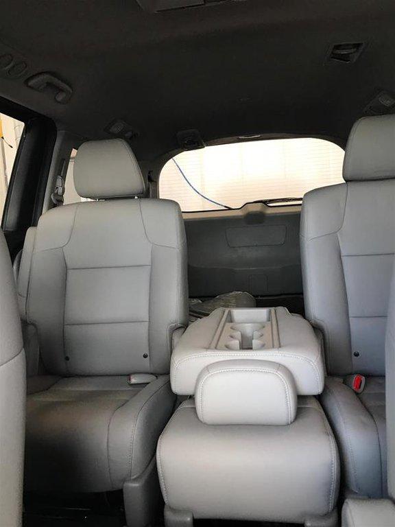 2016 Honda Odyssey EX-L Res in Mississauga, Ontario - 15 - w1024h768px