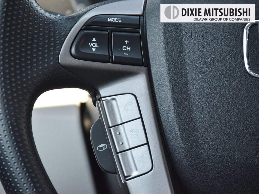 2017 Honda Odyssey EX in Mississauga, Ontario - 13 - w1024h768px