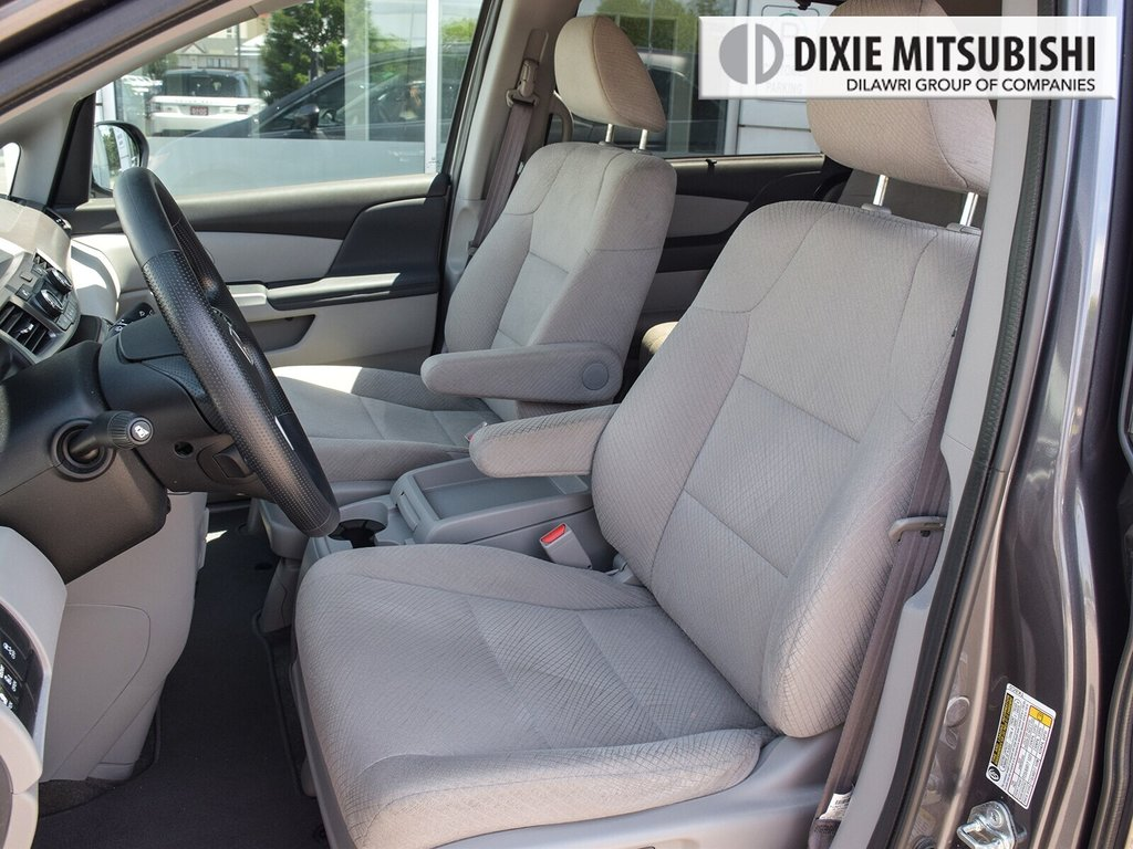 2017 Honda Odyssey EX in Mississauga, Ontario - 8 - w1024h768px