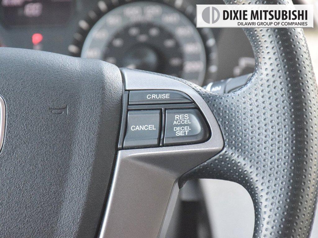 2017 Honda Odyssey EX in Mississauga, Ontario - 14 - w1024h768px