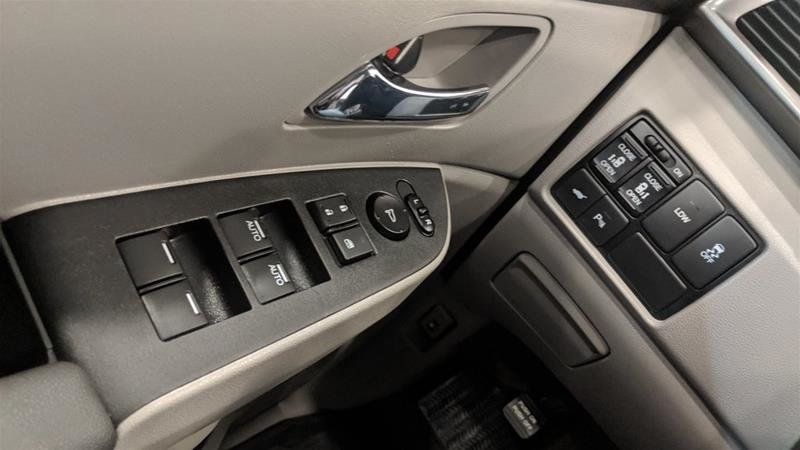 2017 Honda Odyssey EXL Navi in Regina, Saskatchewan - 3 - w1024h768px