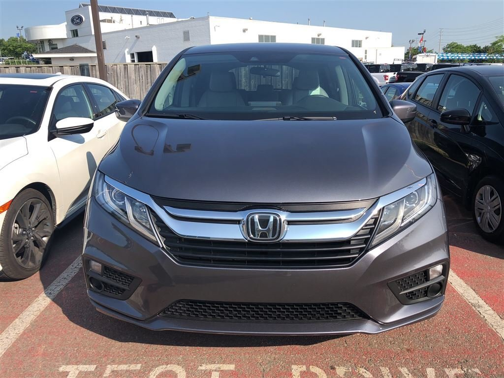 2019 Honda Odyssey LX in Mississauga, Ontario - 2 - w1024h768px