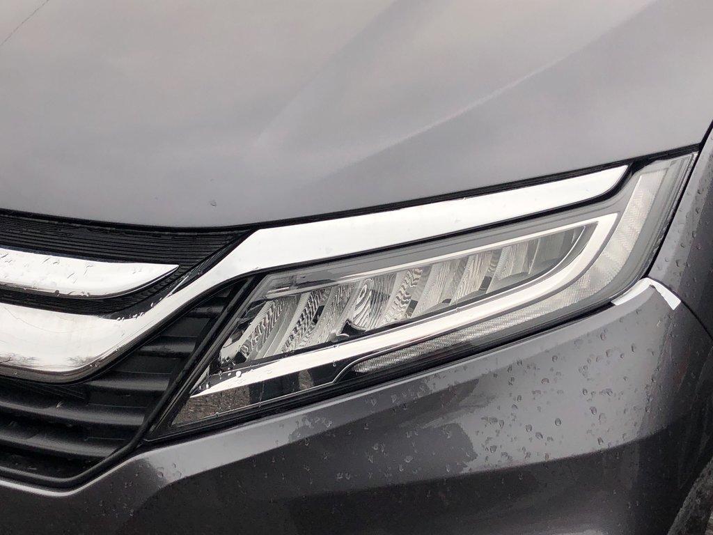 2019 Honda Odyssey Touring in Markham, Ontario - 5 - w1024h768px