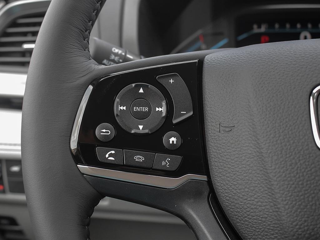 2019 Honda Odyssey Touring in Markham, Ontario - 15 - w1024h768px