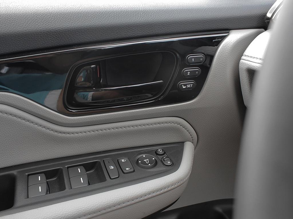 2019 Honda Odyssey Touring in Markham, Ontario - 16 - w1024h768px