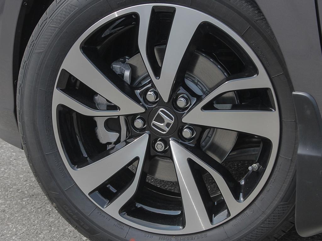 2019 Honda Odyssey Touring in Markham, Ontario - 8 - w1024h768px