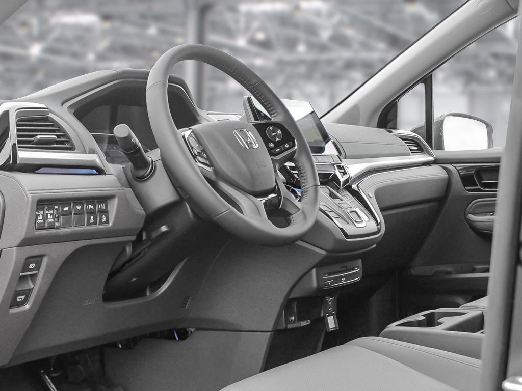 2019 Honda Odyssey Touring in Mississauga, Ontario - 12 - w1024h768px