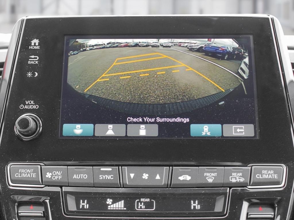 2019 Honda Odyssey Touring in Mississauga, Ontario - 23 - w1024h768px