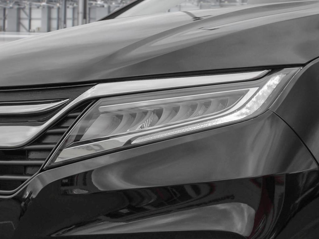 2019 Honda Odyssey Touring in Mississauga, Ontario - 10 - w1024h768px