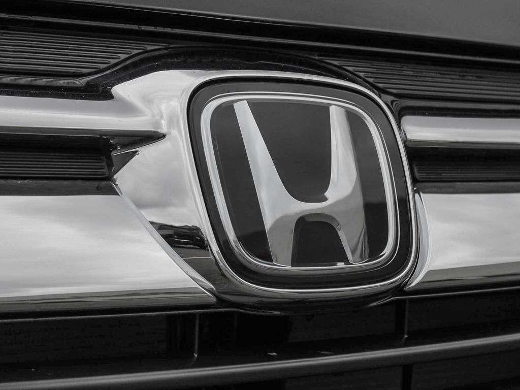 2019 Honda Odyssey Touring in Mississauga, Ontario - 9 - w1024h768px