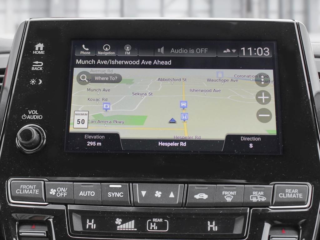 2019 Honda Odyssey Touring in Mississauga, Ontario - 18 - w1024h768px